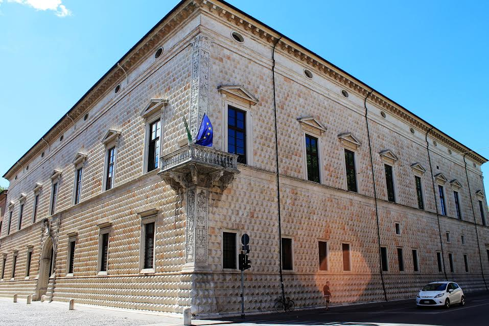Il ministro Bonisoli blocca il progetto di ampliamento di Palazzo dei Diamanti di Ferrara.